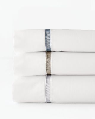 Wrinkle-Resistant Embroidered Sateen Bedding