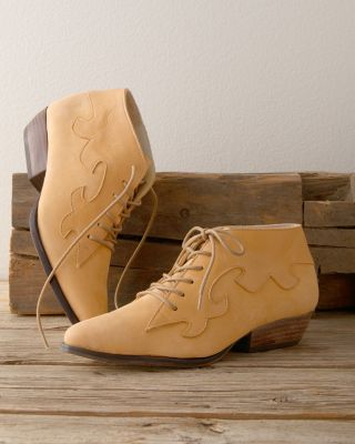 Bird of Flight Gia Lace-Up Shoes