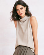 Sleeveless A-line Turtleneck Sweater