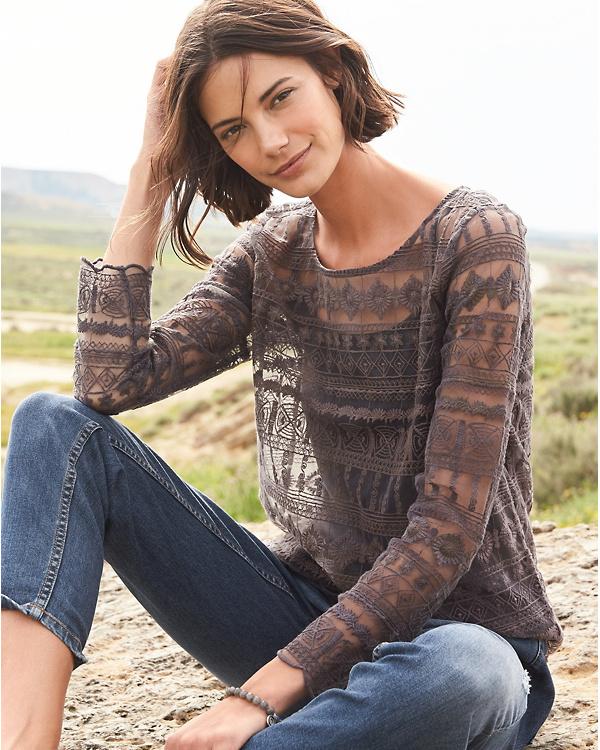 46d624e17e3e99 Long-Sleeve Lace Top