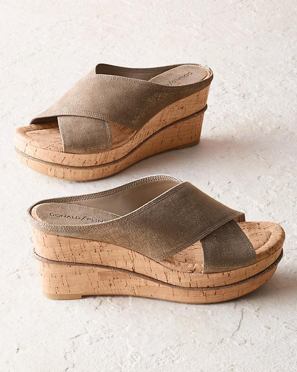 0c86d3d7821e Donald Pliner Dacota Wedge Sandals