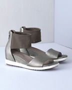EILEEN FISHER Vibe Wedges